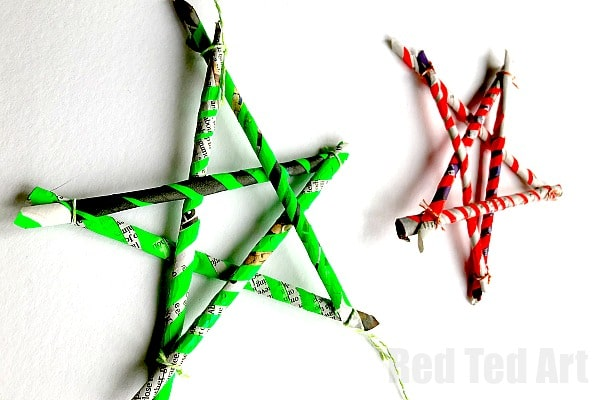 Newspaper Stars - 5 Paper Straws - Use 5 DIY Paper Straws to make these simple recycled star ornaments. Love easy paper star diys like this!! #newspaper #newspapercrafts #satrs #starornament #stars #newyear #christmas #4thjulylatest