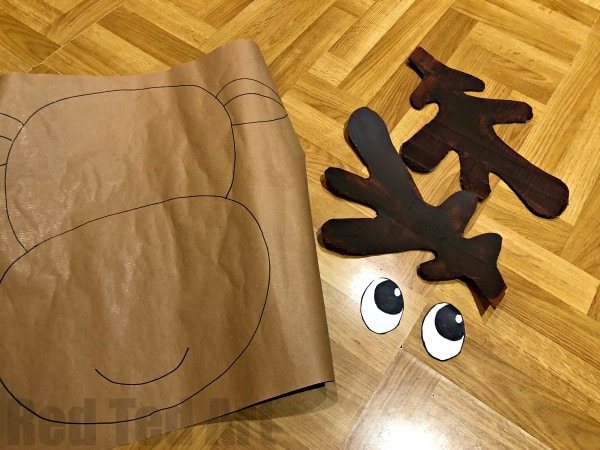 Pin the Reindeer Nose - a quick and easy Christmas Party game.. pin the nose to rudolph. Suitable for very young children.. and young at heart adults. Love this quick and easy Party Game for Christmas... #rudolph #reindeer #pinthenose #christmas #christmasparty #activities #preschool