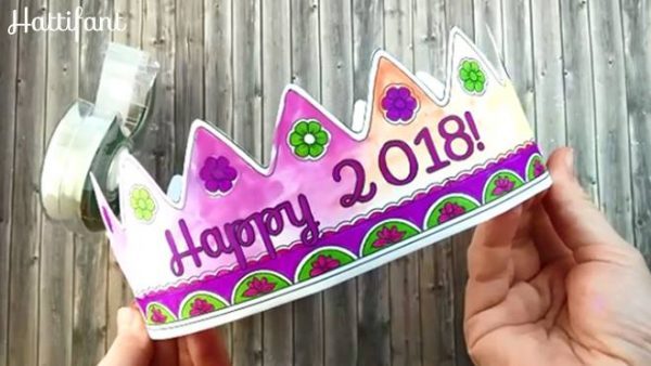 New Year's Eve Countdown for Kids - Count down to Midnight with this fantastic set of hourly activity for kids. Includes many printables to make New Year's Eve planning quick and easy. Love these New year's eve printables for kids #newyearseve #newyearseve2018 #printables #countdown #newyearsevecountdown