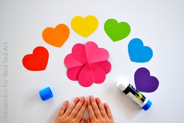 Love Heart Paper Flower craft a great Paper Valentine's Craft for Kids, as well as andorable little Mother's Day Craft #valentines #valentinesday #papercrafts #mothersday #hearts #flowers