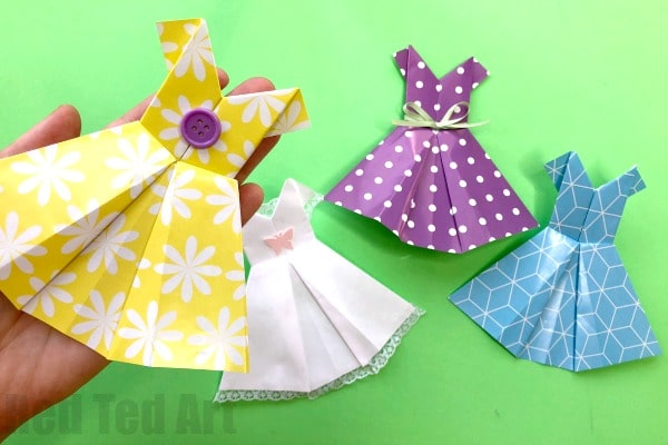 How to make an Origami Dress Step By Step Instructions. Easy Paper Dress How To for Beginners. Love these fun Origami dresses, decorate for Wedding Cards or Mother's Day Cards #orgami #dress #origamidress #wedding #mothersday