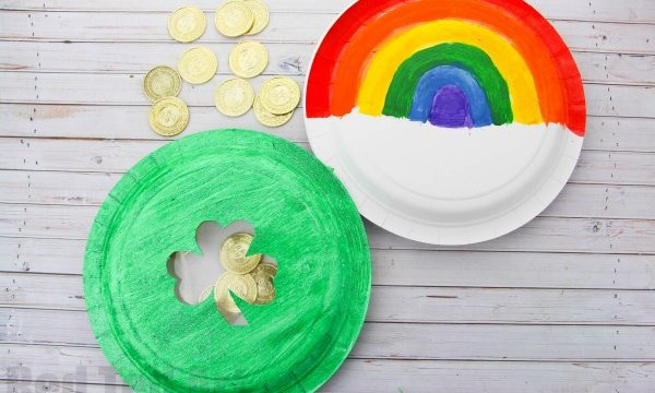 Paper Plate Tambourine for St Patrick's Day