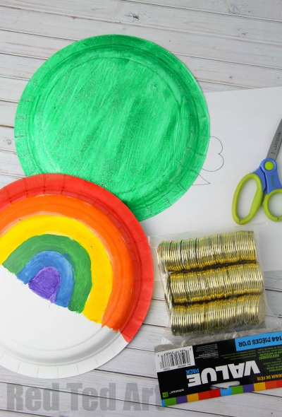 Preschool St Patrick's Day Craft - Paper Plate Tambourines. Cute and easy #Shamrock and #Rainbow Craft for #StPatricksDay
