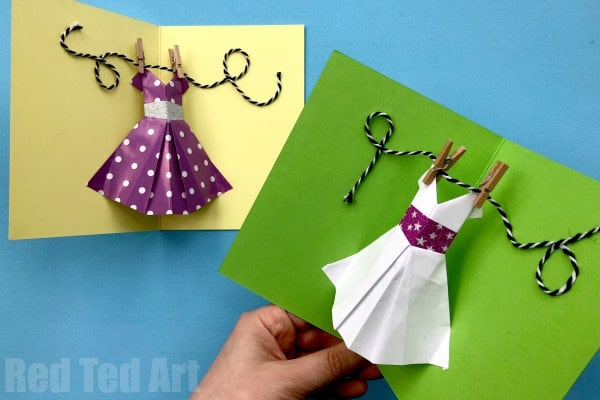 Pop Up Dress Card for Mother's Day. Easy Mother's Day Pop Up Card for Kids to make. These would be lovely Prom Day Card DIYs or DIY wedding cards too! #popupcards #3dcards #cardmaking #mothersday #prom #wedding