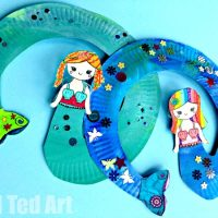 Paper Plate Mermaid Twirler