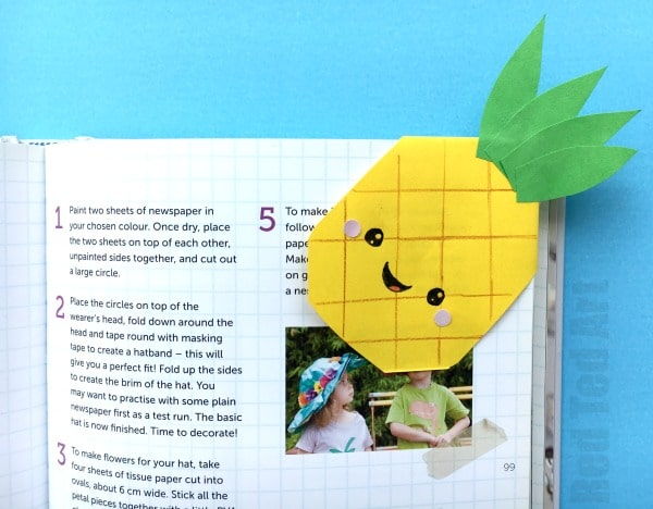 Pineapple Corner Bookmark. How to make a pineapple bookmark corner. #bookmarks #cornerbookmarks #pineapple #crafts #papercrafts #summerreading