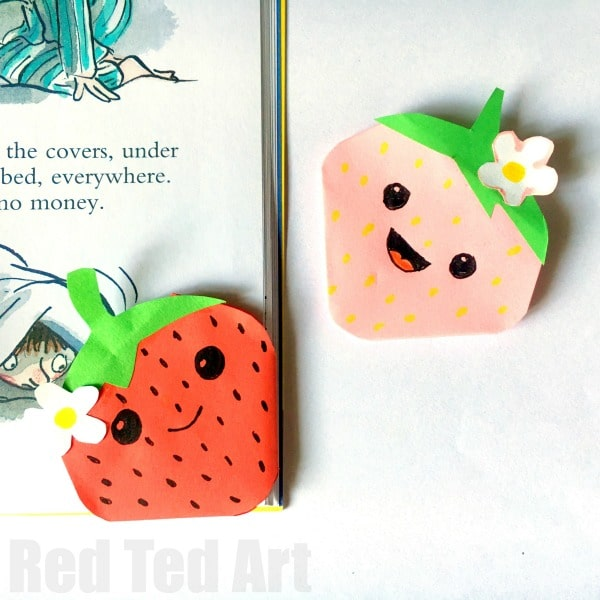 Strawberry Corner Bookmark. How to make a corner bookmark strawberry. Great for summer reading #strawberry #cornerbookmark #origami #summer