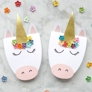 Adorable Unicorn Card with Printable template from I Heart Crafty Things.