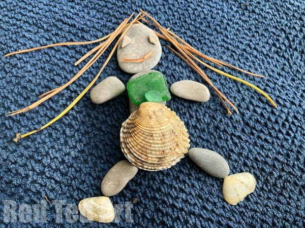 Loose Parts Nature Art - create Pebble Art with Kids this summer. Fun Rock Crafts for kids of all ages! #summer #natureart #looseparts #rocks #pebbles #beach