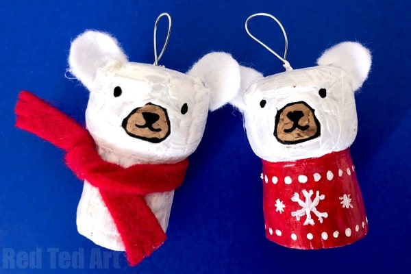 Easy Cork Polar Bear Ornament. Upcycle Champagne Corks and Wine Corks and turn them into Simple Polar Bear Cork Ornaments for DIY Christmas Decorations. #Polarbear #christmas #ornament #corks