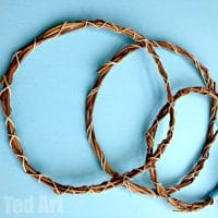 How to make a Willow Wreath (Easy)