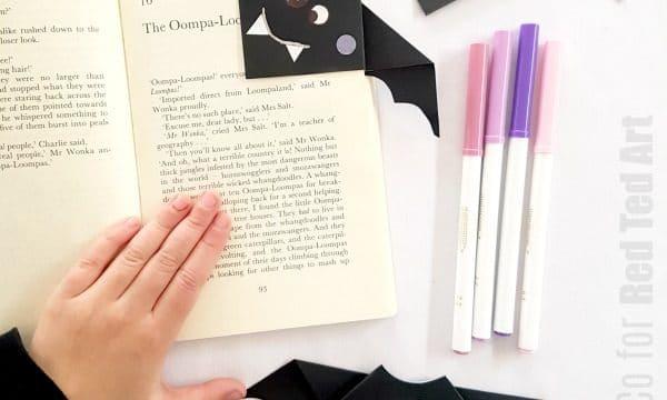 Simple Bat Corner Bookmark