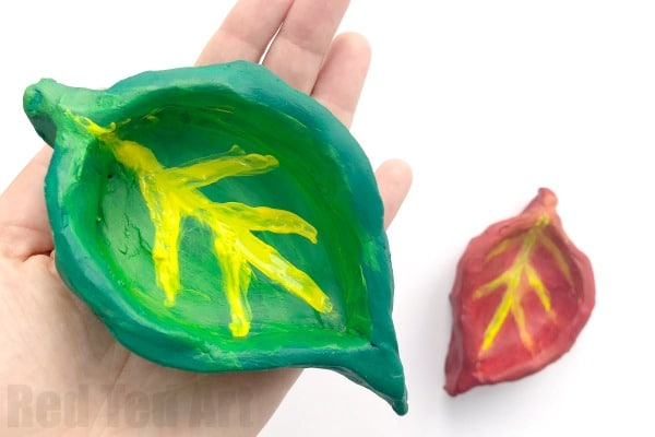 Easy Leaf Pinch Pots - Fall Craft for Preschool - Red Ted Art