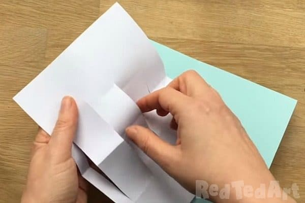 Make a Mothers Day Card with an Origami Twist | 400x600