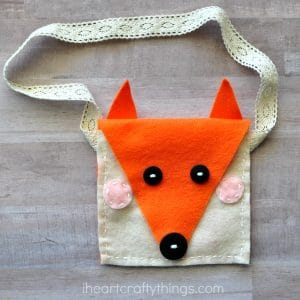 Easy Fox Crafts for Kids. Love all things Fox? DIY Fox Ideas for Preschool, Kids and Adults. From Paper Fox Crafts to Crochet Fox Patterns. #Fox #foxes #crafts #kids