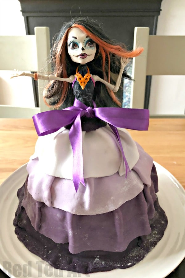 Incredible Easy Halloween Cake For Kids Red Ted Art Make Crafting With Personalised Birthday Cards Sponlily Jamesorg