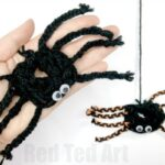 Finger Knitting Spider Halloween Crafts for Kids