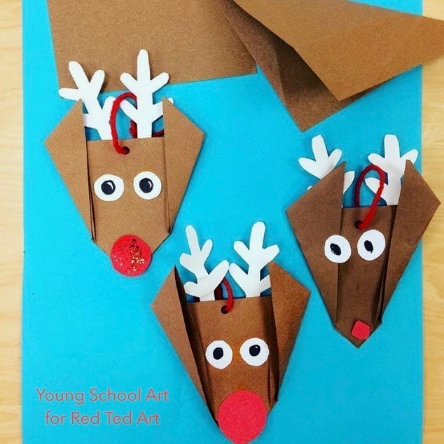 Easy Origami Reindeer for preschool - learn how to make these easy paper reindeer ornaments or reindeer greeting cards. So cute! #Christmas #reindeer #origami