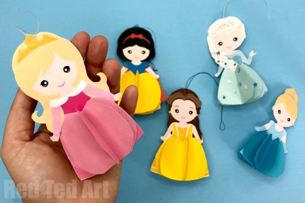 How to make a Princess Paper Doll - Paper Aurora Doll Ornament - a great Christmas Decoration or Paper Doll Toy. Free Printable #christmas #aurora #princess #printable