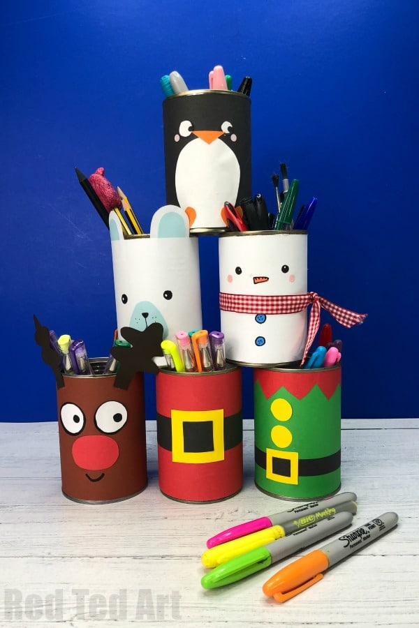 DIY Christmas Desk Tidy, quick and easy way to decorate your desk for Christmas. Great Christmas Pencil Pots or DIY Christmas Candy Holders. Quick, easy fun #christmas #desktidy #roomdecor