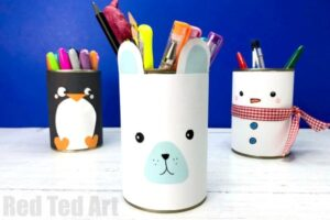Recycled Winter Desk Tidies. Decorate your room for Winter, with these adorable Back To School Winter Pencil Holders. Tin Can Pen pots. So kawaii!