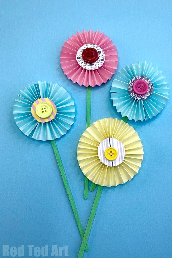 How to Make Tissue Paper Flowers | Tissue paper flowers, Paper ... | 900x600