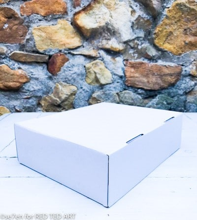 Simple delivery box for making a desk origaniser