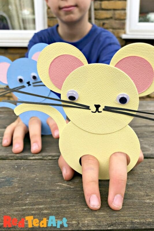 Mouse finger puppet made from circles