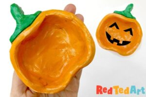 Air drying clay Pumpkin pinch pot for Fall, Halloween or Thanksgiving. Holiday Pinch Pot Designs!