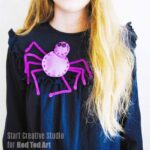 Easy Spider Brooch to accessories with this Halloween
