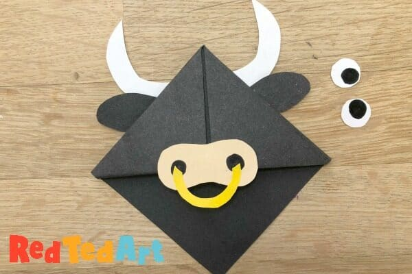 Easy paper corner bookmark for year of the ox
