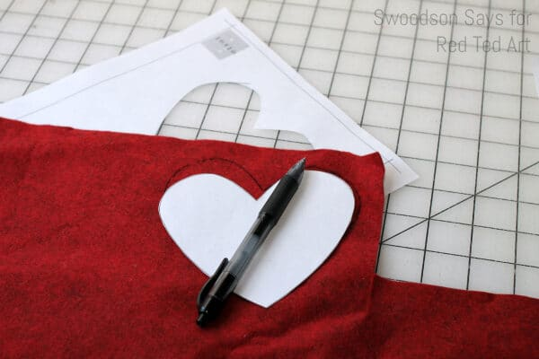 How to sew a felt heart for valentine's
