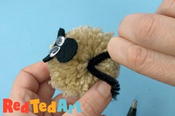Pom pom sheep legs