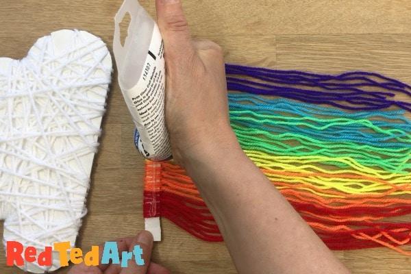 making yarn rainbows
