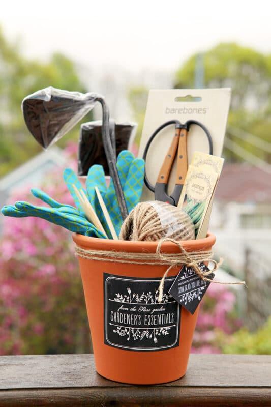 gardeners gift baskets